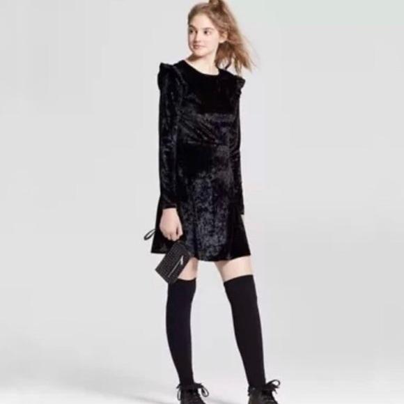 94ae51baff Mossimo Black long sleeve velvet dress ruffle